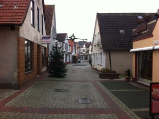 Elsfleth, Germany. A main streets during siesta - photo Jan Lundberg